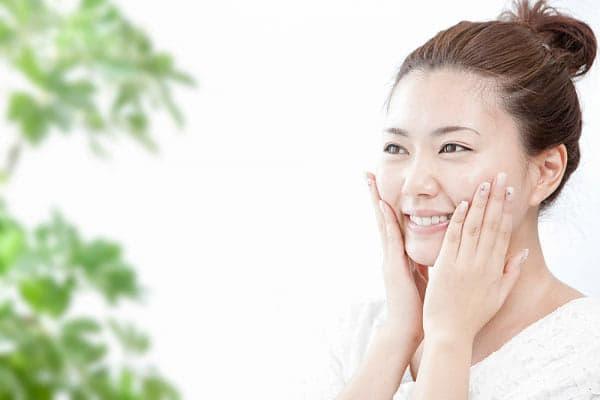 Tinh dầu hoa nhài giúp cải thiện làn da