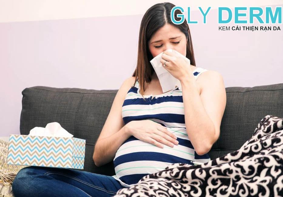 Một trong những nguyên nhân chủ yếu gây yếu thai là bị nhiễm cúm trong thời kì mang thai